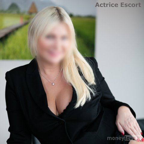 gloryhole in berlin actrice escort