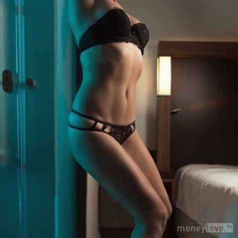 Tall latina beauty with nice ass